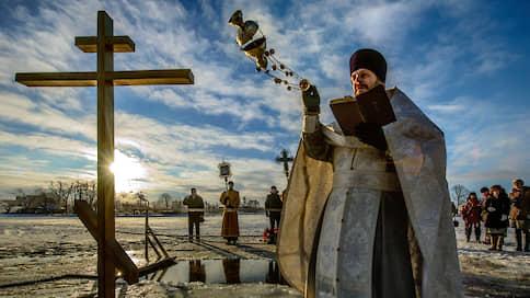 С военно-сакрального на русский  / ВЦИОМ замерил религиозный пульс страны