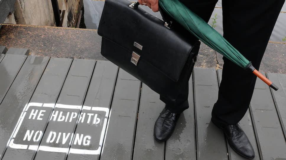 Российский бизнесмен все еще ждет от власти позитивных сигналов, но уже, кажется, не верит, что дождется