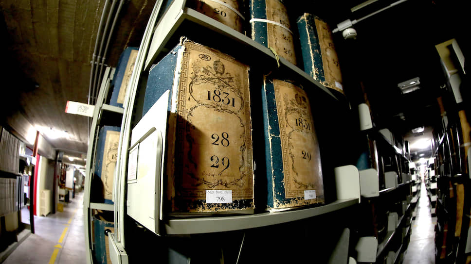 Архивы Ватикана — это 85 километров документов. Тонкий баланс между тем, что пришла пора обнародовать, а что — нет, всегда на усмотрение действующего понтифика