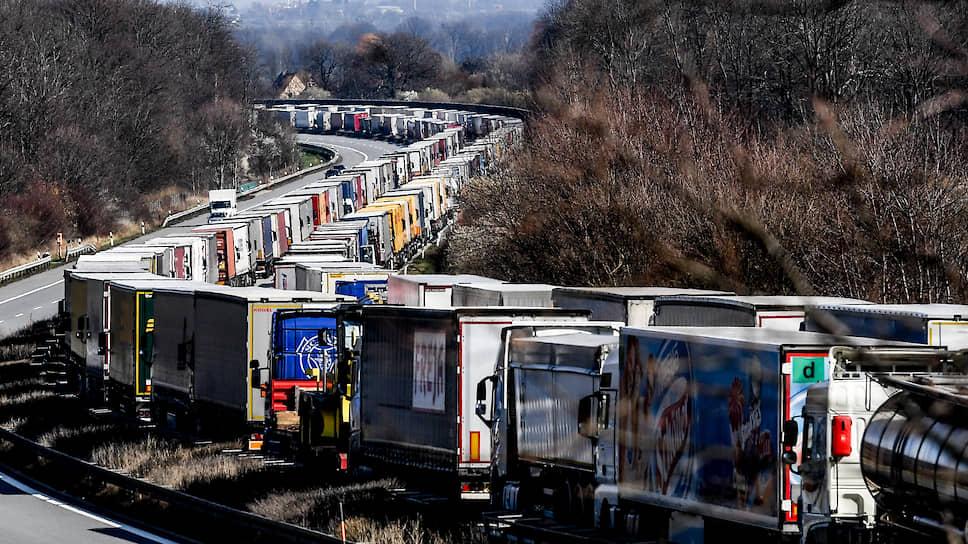 Какую стратегию выбирает Германия для борьбы с пандемией