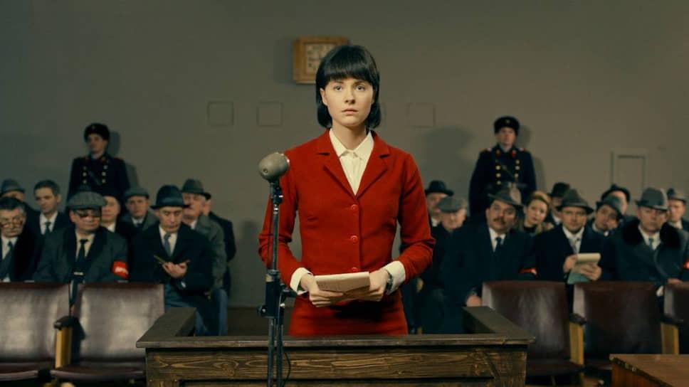 Впервые героиня защищает не систему, а от системы (кадр из сериала «Заступники», в главной роли Мари Ворожи)