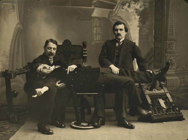 Слева направо: Михаил Матюшин, Казимир Малевич и Алексей Крученых. 1913 год