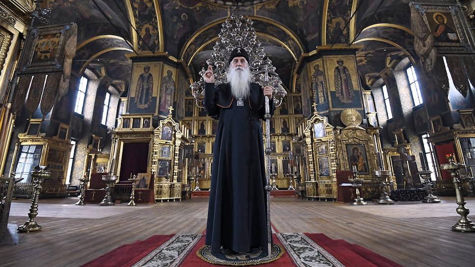 Владыка Корнилий в кафедральном Покровском соборе
