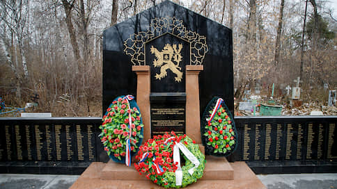 Эхо пражского сноса  / Демонтаж монумента маршалу Коневу в Праге как прецедент