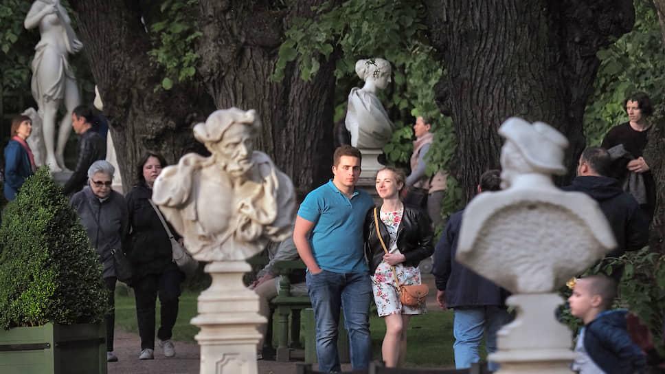 Летний сад, пожалуй, самая популярная площадка музея