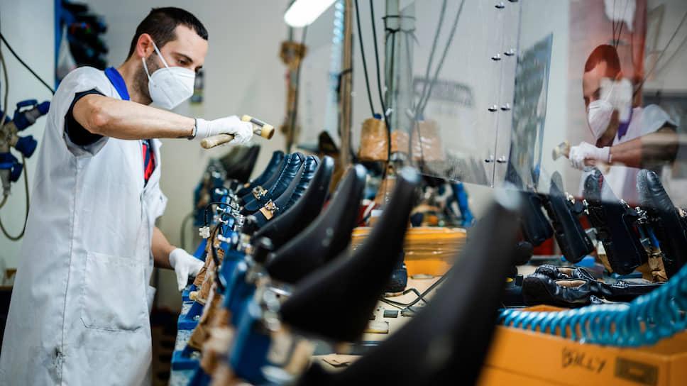 Обувная фабрика в центральной Италии: работа есть, но рабочих раза в четыре меньше