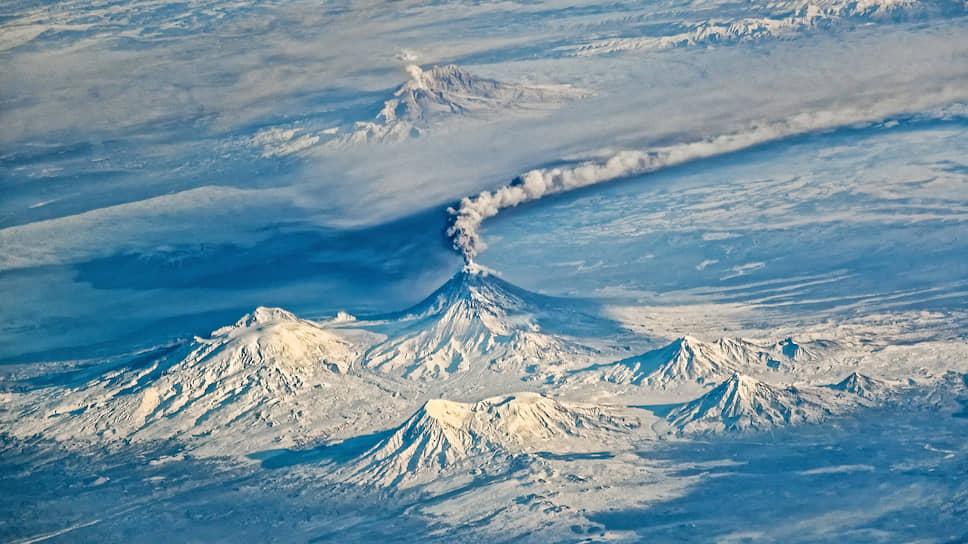 Вулканическую активность Камчатки видно даже с борта МКС. Извержение Ключевской сопки