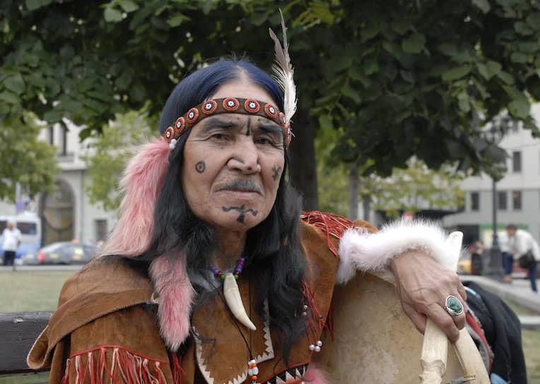 Легендарный ительменский шаман Борис Жирков, «дядя Боря», умерший несколько лет назад. Он руководил национальным ительменским ансамблем «Эльвель», с которым объехал полмира
