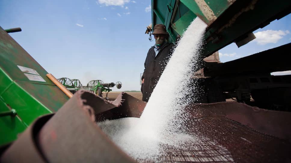 Сегодня применение химикатов фактически отдано на откуп аграриям