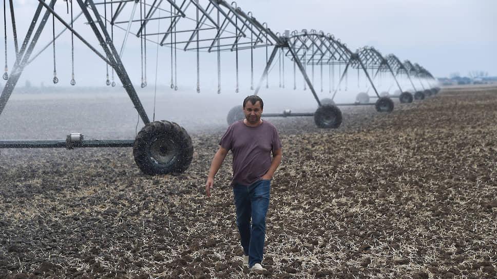 Фермеру Сергею Романченко удалось получить грант на обустройство скважины и покупку поливальных машин