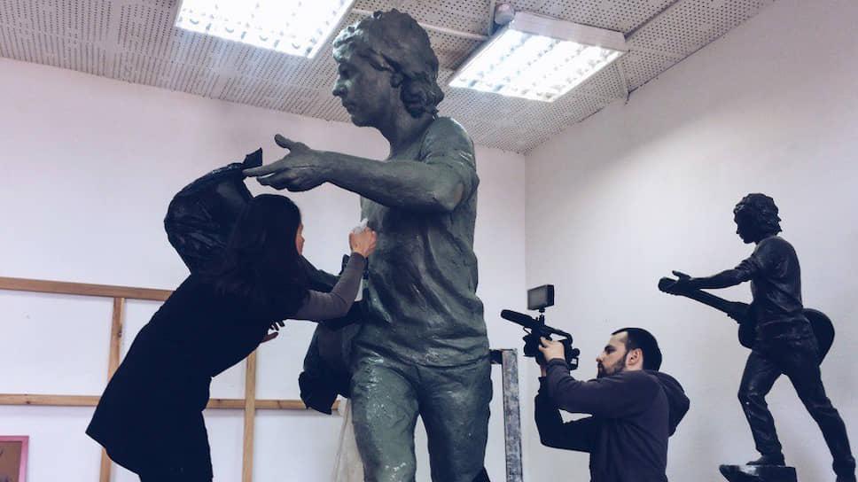 Памятник Башлачеву готов, однако на его отливку нужно собрать около миллиона рублей