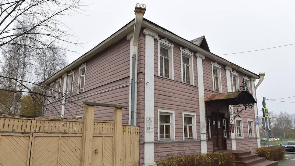 Василий Верещагин покинул родной дом в детские годы. Но город хранит память о нем