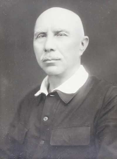 А. Серафимович (еще один кандидат в авторы) в 1920-е возглавлял комиссию, выяснявшую, есть ли основания подозревать Шолохова в плагиате
