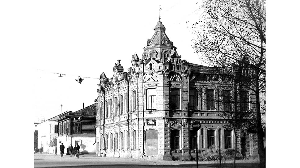 Одно из зданий краеведческого музея в Бийске, в организации которого участвовал Виталий Бианки