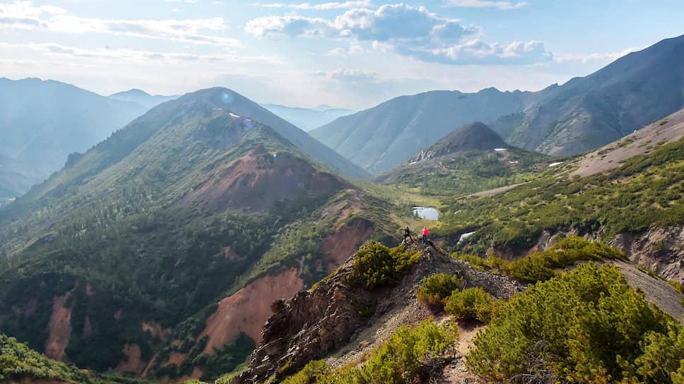 Колымские пейзажи неповторимы. И буквально с каждой вершины открывается захватывающая панорама окрестностей
