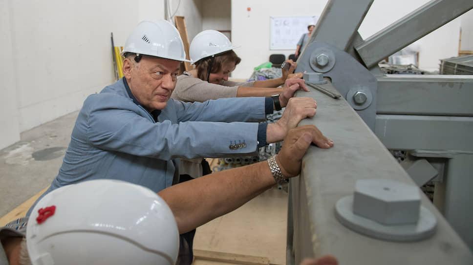 Под его руководством разработан и создается крупнейший в России мегапроект — ускорительно-экспериментальный комплекс NICA