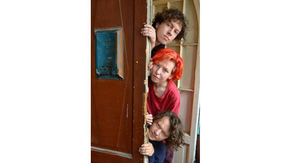 Зачем трое энтузиастов из Петербурга собирают старые двери