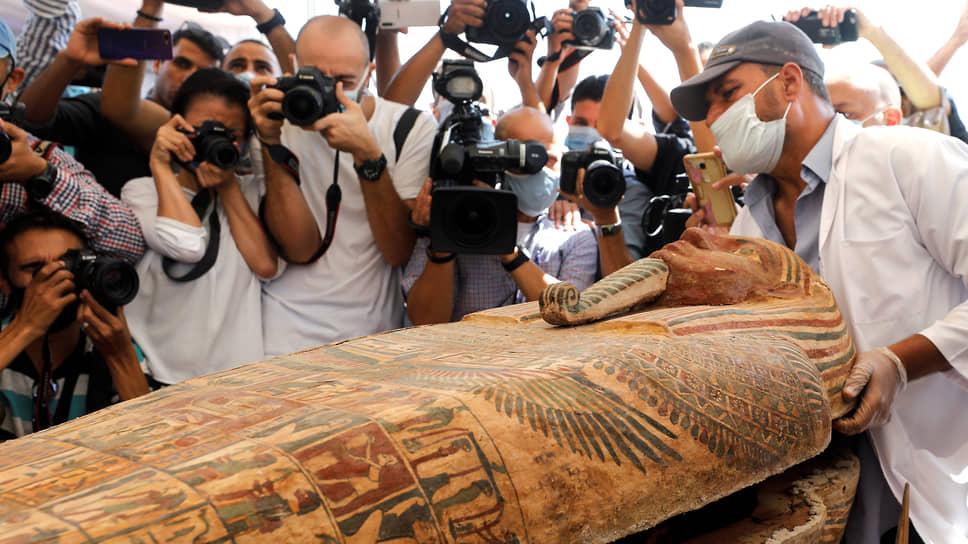 Так выглядит один из найденных в Саккаре саркофагов. Как отмечают эксперты, большинство памятников той эпохи — колоссальной художественной ценности