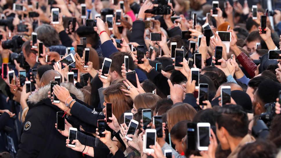 Около 70процентов молодых людей как минимум еженедельно делятся фото, 45процентов — видео, 40процентов — стримят себя. Но влиятельными блогерами становятся единицы