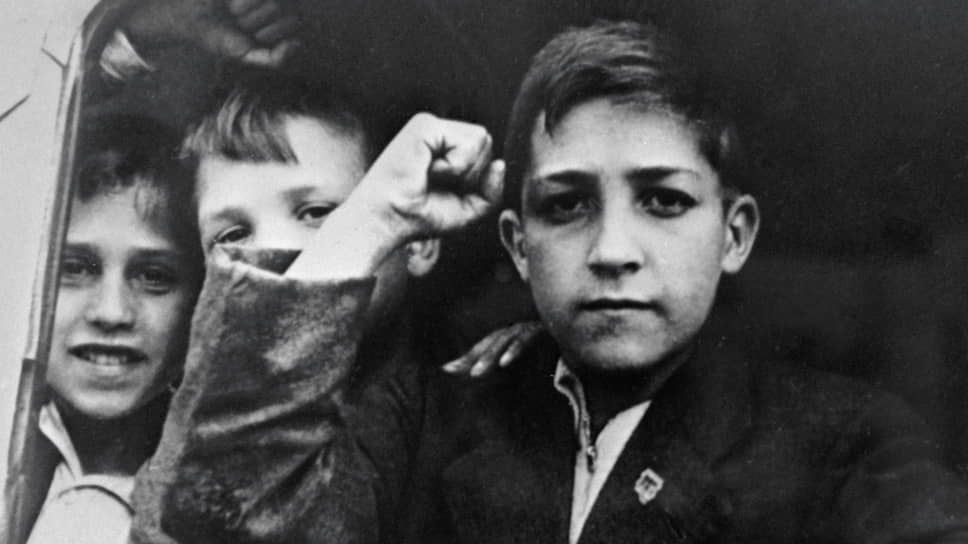 23 июня 1937 года. На пароходе «Сантай» в Ленинград прибыла первая группа детей из Испании — 1498 человек