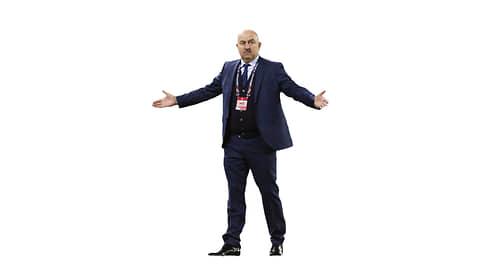 Станислав Черчесов, главный тренер сборной России по футболу  / Раздосадованный