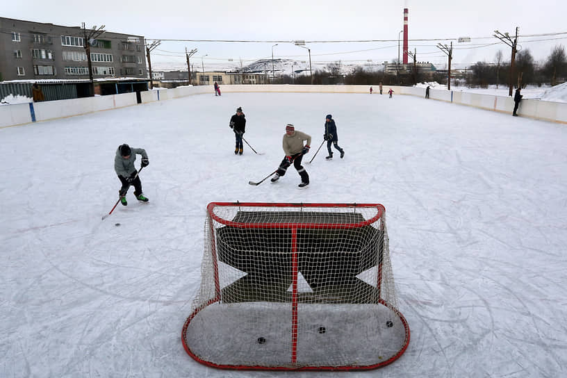 Хоккей в Никеле главный спорт, а местная команда — лучшая в регионе