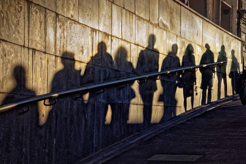 Постстрессорное расстройство из-за пандемии и локдаунов может развиться у 30 процентов населения планеты. В таком случае градус напряженности в социумах поднимется еще выше