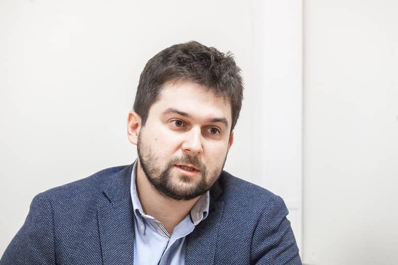 Философ, религиовед,  научный сотрудник Московской высшей школы социальных и экономических наук Дмитрий Узланер