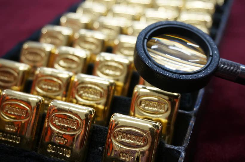 На фоне мировой нестабильности золото снова в центре внимания