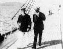Накануне катастрофы: капитан Кендел прогуливается с пассажиром по палубе «Императрицы»