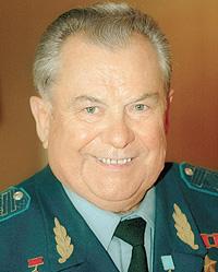Генерал-майор авиации стал специалистом по земле