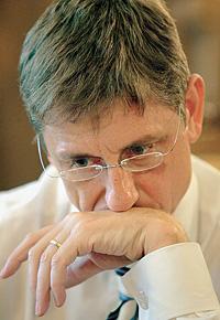 Ференц Дюрчань об отставке думал три минуты. И уходить отказался
