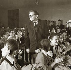 Дмитрий Шостакович на встрече со школьниками. 1962 г.