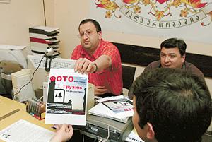 Джони Кварацхелия (слева) делится планами. До прихода милиции - полчаса