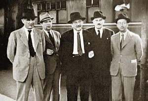 Договор с СССР подписывал посланник Югославии в Москве Милан Гаврилович (на снимке в центре)