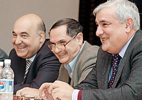 Порой было весело. Слева направо: Чингиз Абдуллаев, Рахман Бадалов, Кямал Абдуллаев