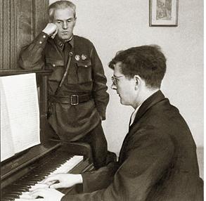Власть внимательно прислушивалась к Шостаковичу, силясь понять: о чем это он?
