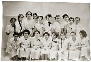 Класс девочек: обучение в начале 50-х было раздельным