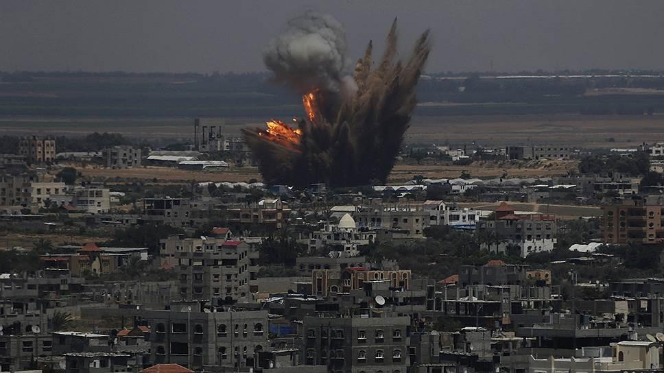 «Израильтяне сидят в бомбоубежищах — выйти никуда невозможно»