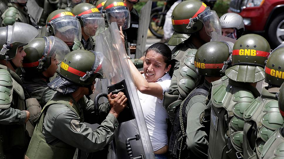 Грозит ли Венесуэле военный переворот?