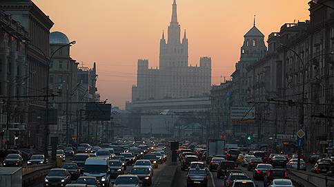Пробки выходят из отпуска  / Что будет с дорожной ситуацией в Москве в конце лета