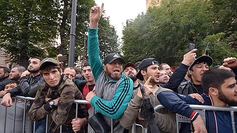 «Власти несколько растеряны» // Эксперт в эфире «Ъ FM» — об акциях протеста мусульман
