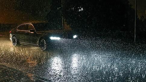 Дождь входит в привычку // Как погода влияет на жизнь москвичей