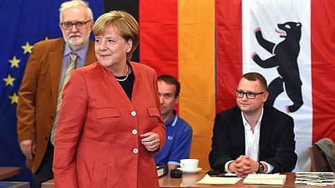 «Главный вопрос — кто возглавит парламентскую оппозицию» // Корреспондент ИД «Коммерсантъ» — о ходе выборов в Бундестаг