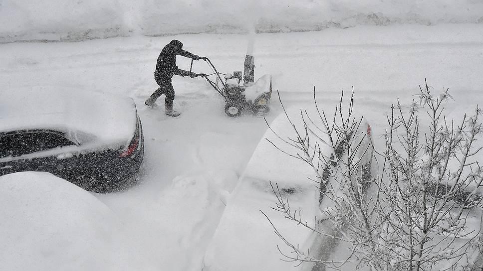 Кто должен отвечать за неубранный снег во дворах