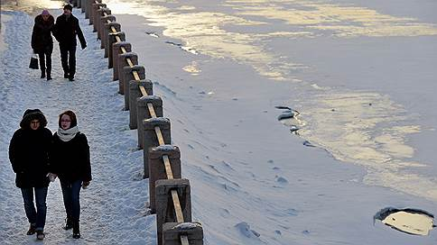 Москву снова занесет снегом  / Когда в столицу придет весенняя погода