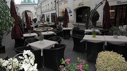 Московские рестораторы открывают сезон веранд // Пользуются ли спросом уличные площадки