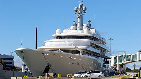 Яхтам российских миллиардеров провели перепись // Кому принадлежат лодки, попавшие в список Forbes