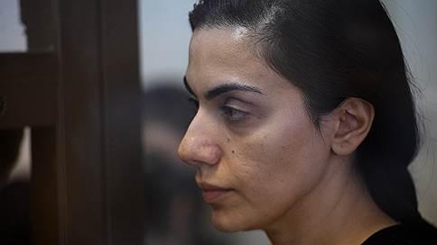 «Степень абсурдности обвинения зашкаливает» // Адвокат Карины Цуркан в интервью «Ъ FM» — об уголовном деле