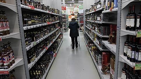 Магазины могут пасть жертвой вредных привычек россиян // Нужно ли сокращать число точек, торгующих алкоголем и сигаретами